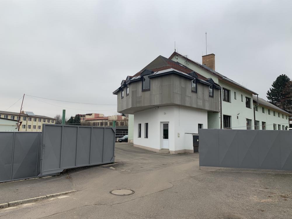 Pronájem parkovací / skladovací plochy Litomyšl